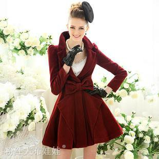 Dark red large woolen coat with bow