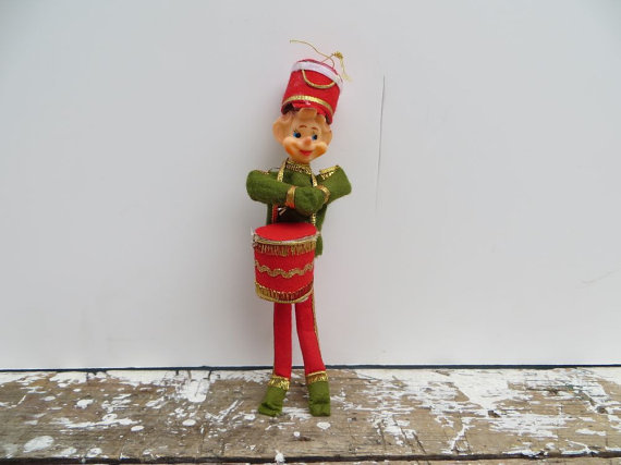 Elf christmas ornament knee hugger from vintageshoppingspree on - Idee deco huisbar ...