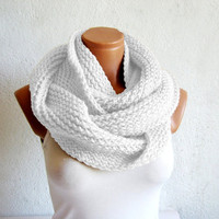 2014 Winter Sale-Handmade knitted infinity scarf,infinity scarf Block Infinity Scarf. Loop Scarf, Circle Scarf, Neck Warmer.