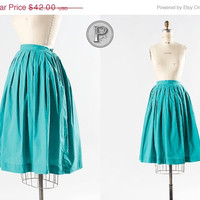 25% OFF SALE // 50s skirt xsmall / 1950s green cotton full skirt : Watermelon Rind