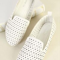 Simple Leisure White Cross Cutout Loafers