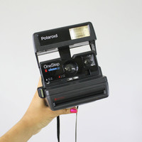 Vintage Polaroid Camera - Black 1980s OneStep CloseUp 600 Series - Empty Film Cartridge & Flash Tested / Macro Shot