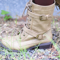 Combat Cutie Boots: Light Taupe | Hope's