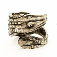 Unique Alligator Souvenir Sterling Silver Spoon Ring, Handcrafted in Your Size (4107)