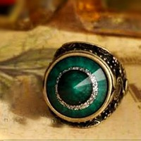Vintage Emerald Green Costume Ring Size 5