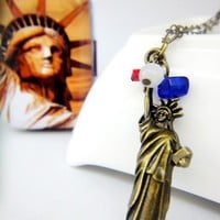 The status of liberty red white blue independence day beaded necklace
