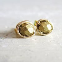 Faceted Gold Stud Earrings  Tiny Gold Wire by contempojewels