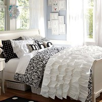 Rufflicious Damask Chic Bedroom