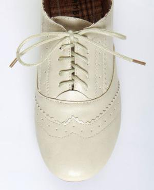 Bamboo Vabene 03 Bone Boyfriend Oxford in Vegan Leather - $24.00