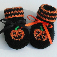 Baby Pumpkin Halloween hand knit booties Newborn