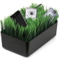 Kikkerland OR08-BK Grass Charging Station, Black:Amazon:Home & Kitchen