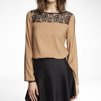 LACE YOKE BUTTON BACK TOP