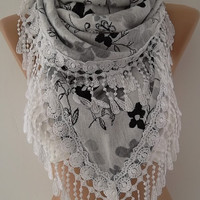 NEW -Gorgeous Scarf / Shawl  Elegant and Classy ....Large and Tringle Scarf