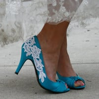 Blue Heel With Venise Lace Applique Size 7 by walkinonair on Etsy