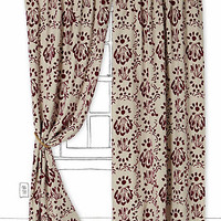 Hollingsworth Curtain