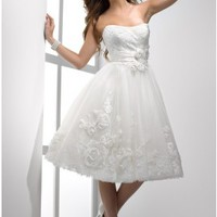 Scoop Neckline Tea Length Tulle Short Wedding Dress With Flower Details