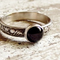 Black Onyx Ring Sterling Silver Filigree Leaf Design Band