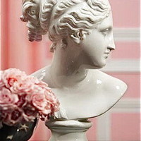 White Venus Bust | Pieces