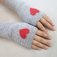 Heart Gloves, Gloves, Mittens, Fingerless with red felt heart, Women accessories. Grey Gloves , Winter accessories, arm warmers.