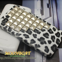 Black White I phone 4g 4s Cave Cover With Stud