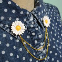 Daisy Chain Collar Pins or Clips by magiccircleclothing on Etsy