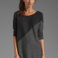 Alice + Olivia Color Blocked Bias Boxy Pullover in Light Heather Gray/Charcoal