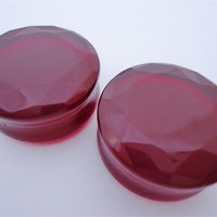 Red Facet Cut Glass Plugs (8 gauge - 1 inch)