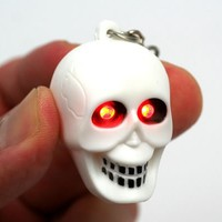 Skull - LED Flashlight and Keychain
