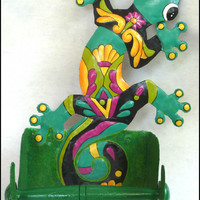 Painted Metal Gecko Bathroom Toilet Paper Holder
