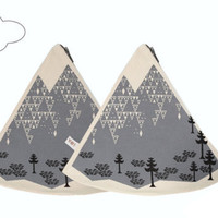 Scandinavian geometric mountain triangle Coin Purse make up bag off white cotton grey zip
