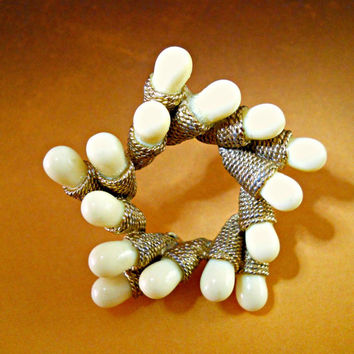 Har Wreath Brooch Cream Cabochons Vintage Circle Signed