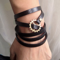 5 Circles Black Real Leather Wrap Bracelet Bronze Gears Buckle Men Leather Cuff Bracelet Unisex Bracelet T090