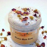 Homemade Himalayan Bath Salts - All Natural Aromatherapy Lavender Bath Salts with Chamomile - Detox Bath Salts with Rose Buds