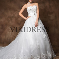 Sweetheart wedding dress/Chapel Train wedding dresses/long wedding gown/2013 bridal dress/new fashion bride gown/Custom made yhz0039