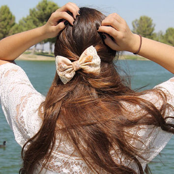 Crafters who Care: lace hair bow