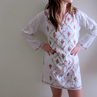 Vintage Embroidered Tunic Dress Mini Hippie Short White See Through Floral Print Flowers Flowy Gypsy Bohemian