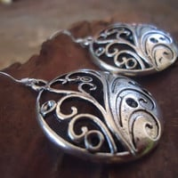 DECORATED TENDRILS 925 silver hooks earrings with by AsaiBolivien US$ 10,90