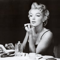 Marilyn Monroe (In the Mirror) Art Poster Print Prints at AllPosters.com