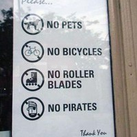 No Pirates Sign » Funny, Bizarre, Amazing Pictures & Videos