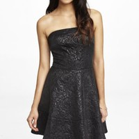 STRAPLESS JAQUARD FIT & FLARE DRESS