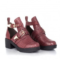 Missguided - Seanna Chunky Buckle Cut Out Boot In Burgundy