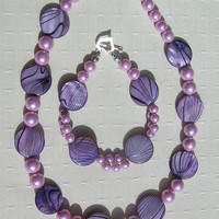 "Necklace & Bracelet Set - Mother of Pearl and Shell Pearl - ""Lavender Fantasia"" - Special Offer"