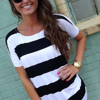 Thick Black & White Striped Piko
