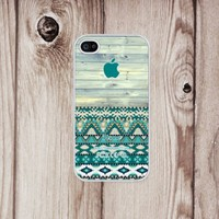 D&fcase® Unique Aztec Old Wood Green Pattern Rubber Iphone 4, Iphone 4s Case Personalized, Friendship Bestfriend Gift Fits Iphone 4 4s T-mobile, At&t, Sprint, Verizon and All International Carriers