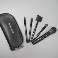 Mac Brushes Set 5 Pcs Set Mac Brushes Set 5 Pcs Set-Wholesale Mac Cosmetics - $9.58