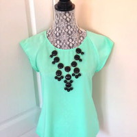 NWOT! Women's Bubble Bibb Necklace in Black