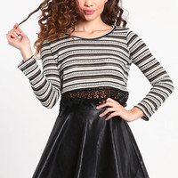 CROCHET TRIM STRIPED CROP TOP