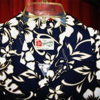 HILLO HATTIE HAWAIIAN SHIRT VINTAGE FLORAL BLUE CASUAL!SIZE L !MADE IN HAWAII