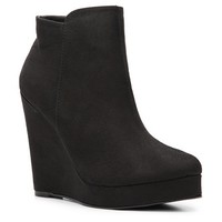Antonio Milena Wedge