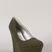 Qupid Worthy-01 Nubuck Round Toe Platform Wedge